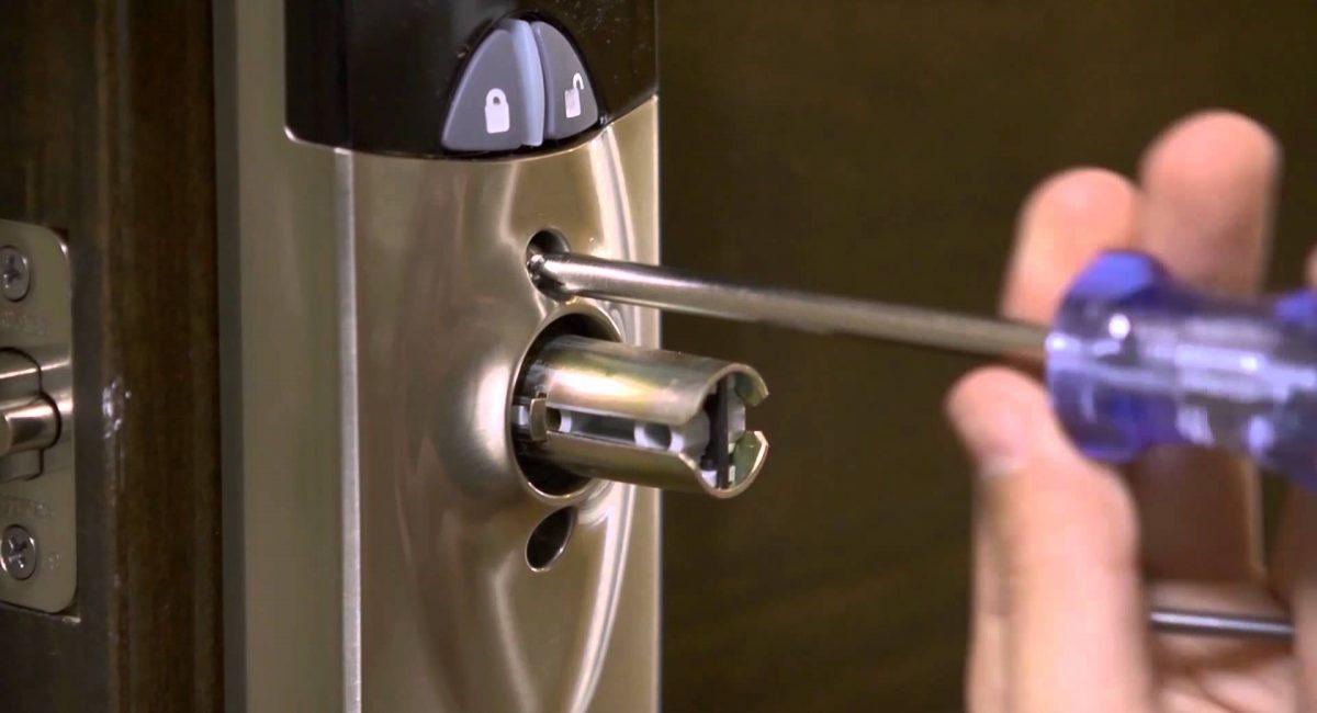 locksmiths-nottingham-high-tech-lock-installation